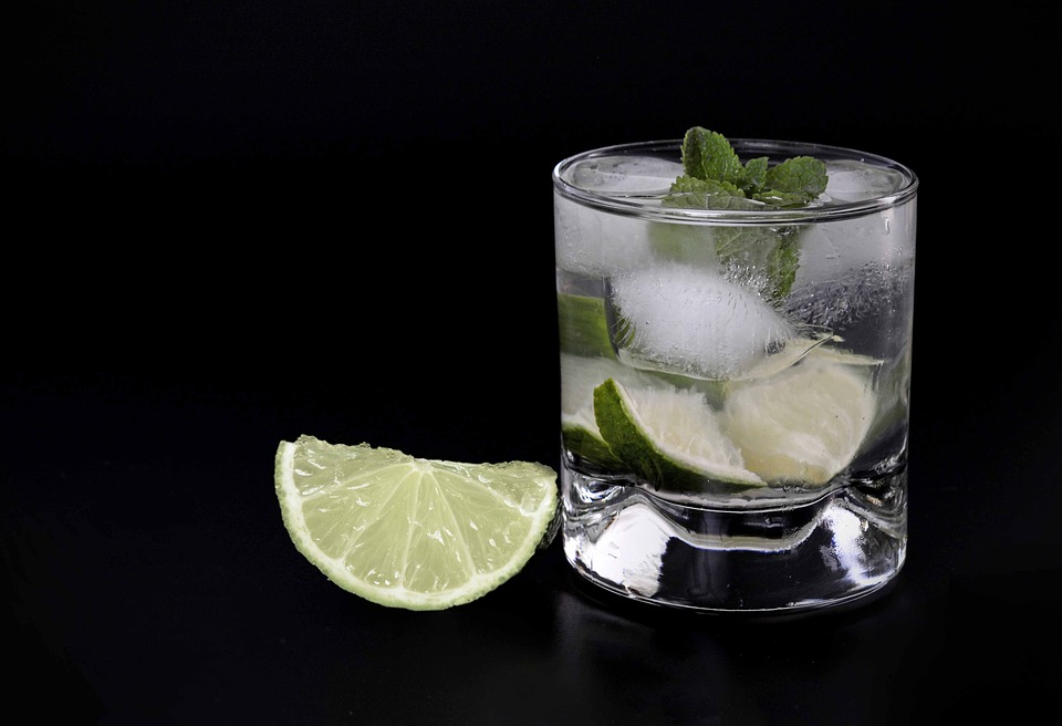 gin with lime