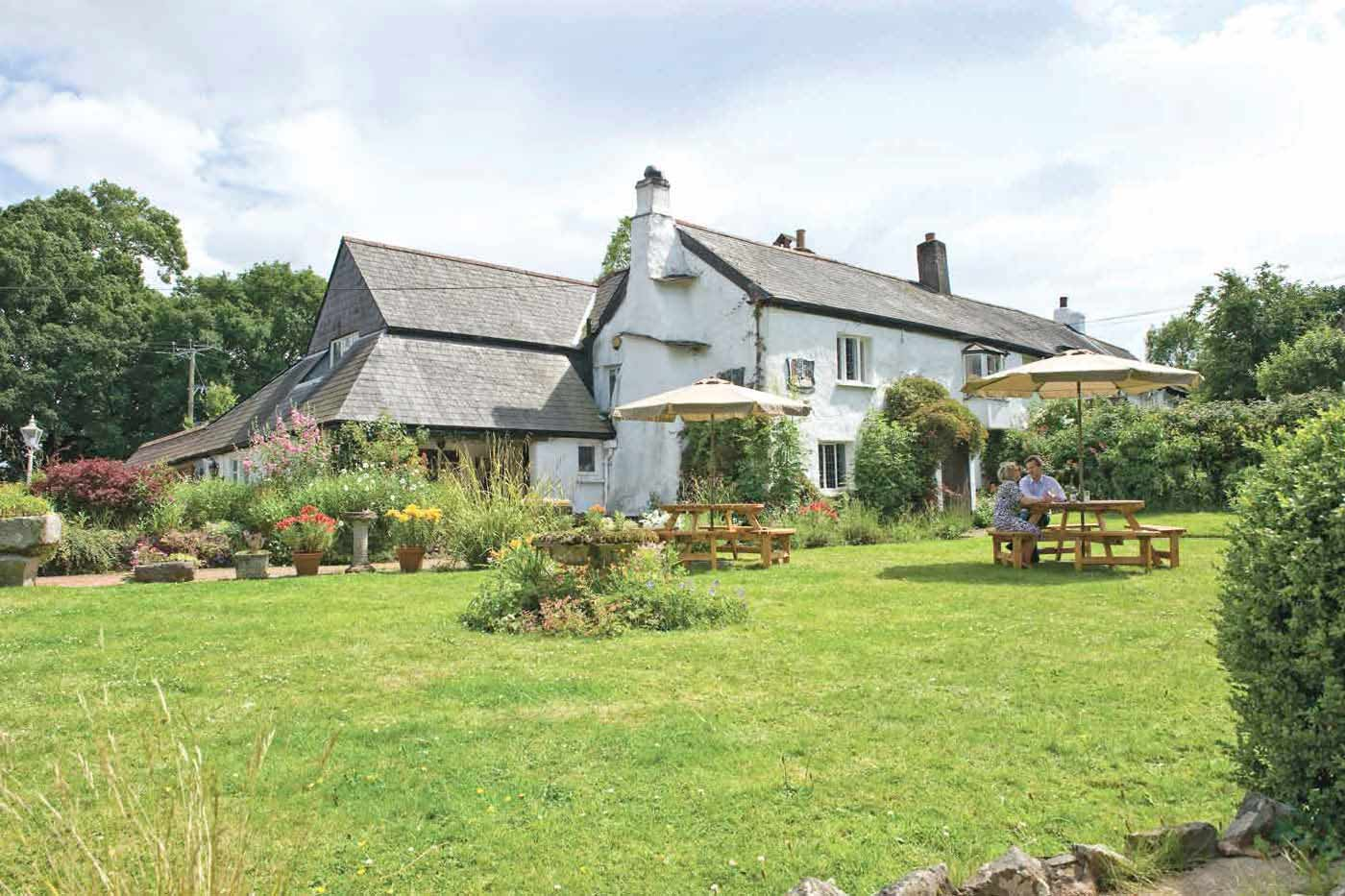The Nobody Inn, pub with a garden